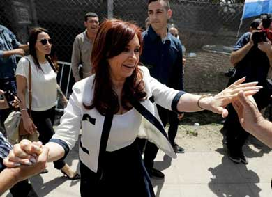 Procesan a la expresidenta Cristina Fernández