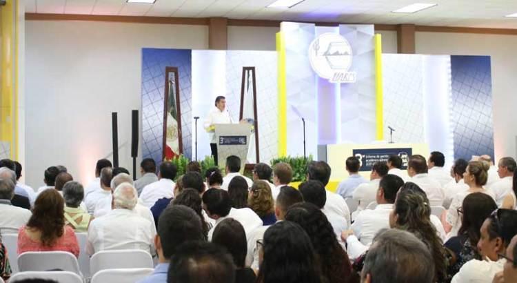 Presenta Rector de la UABCS su tercer informe
