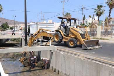 Realizan desazolve en canal de Colonia Miramar y arroyos en CSL