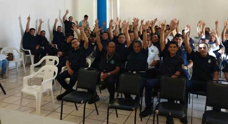 En consulta, eligieron al comandante de Bomberos de La Paz
