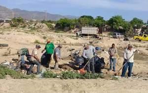 Campaña de limpieza en la zona alta del estero, específicamente en el vado de Santa Rosa.