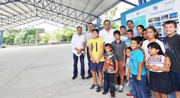 Entregan aulas en Los Barriles, Santiago y CSL