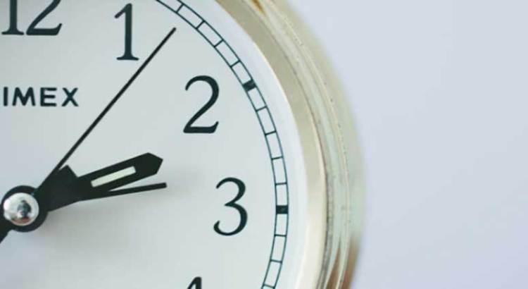 No olvide atrasar su reloj