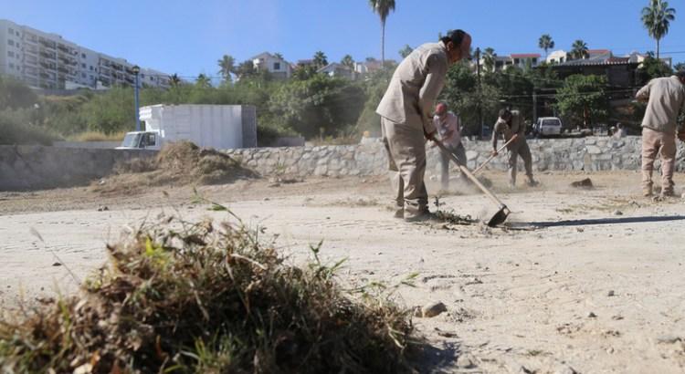 Realiza Servicios Públicos limpieza en CENDI SJC