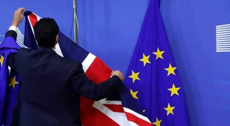 Respaldan retirada de Reino Unido de la UE