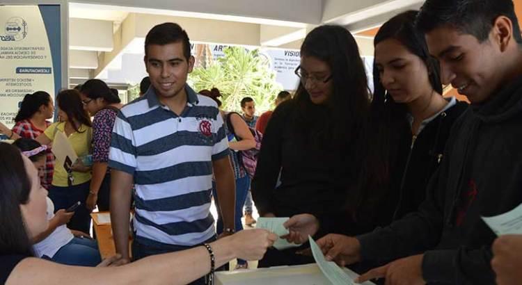 Eligen alumnos de la UABCS a sus representantes al CGU