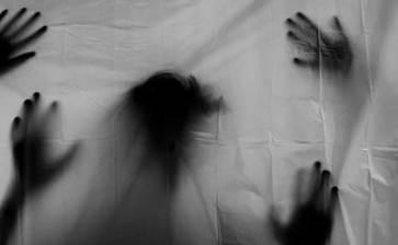 """""""Tuvo sexo"""" con un fantasma"""