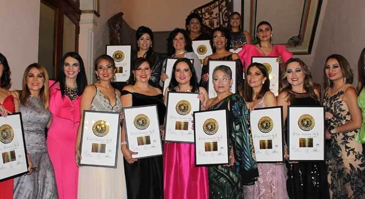 Gana sudcaliforniana el Premio Nacional de Excelencia Profesional 2018