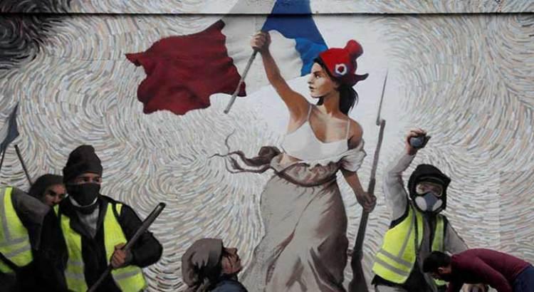 Restringirá Francia las marchas