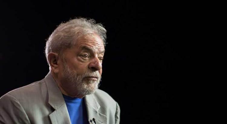 Condenan a Lula a 12 años en prisión