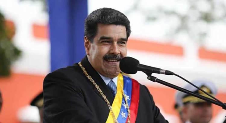 Ordena  Maduro despliegue militar en frontera con Colombia