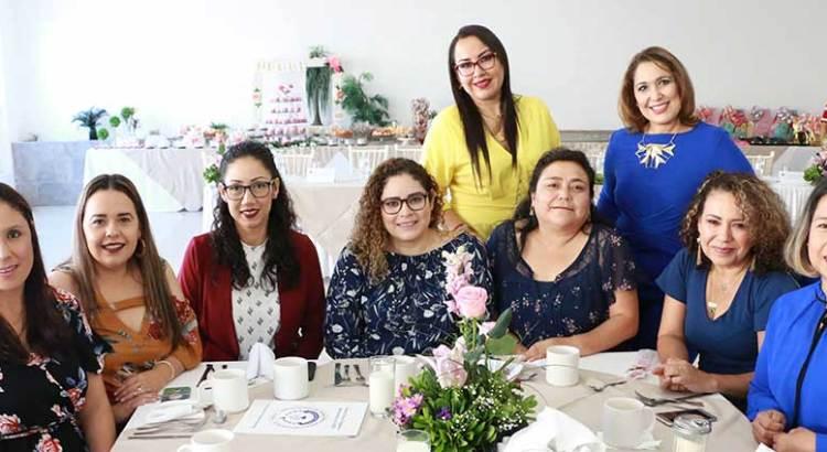 Celebra la UABCS a sus madres trabajadoras