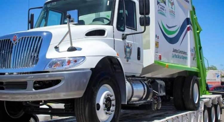 Recibe Servicios Públicos 7 nuevos camiones recolectores