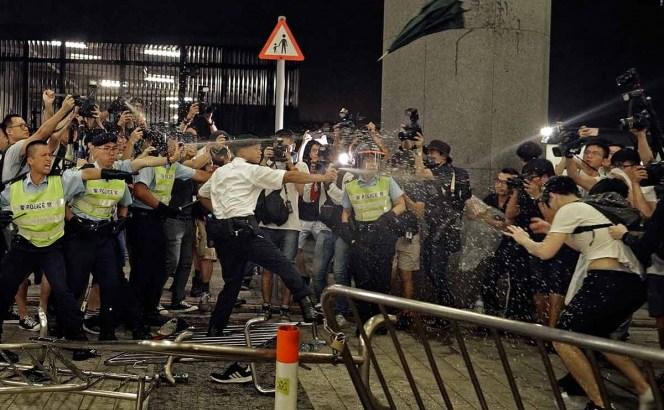 Arrecian protestas en Hong Kong