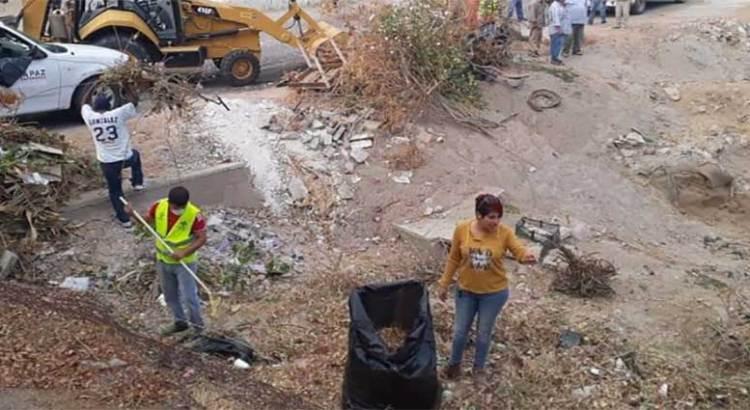 """Retiraron más de 134 toneladas de basura del arroyo """"El Calandrio"""""""