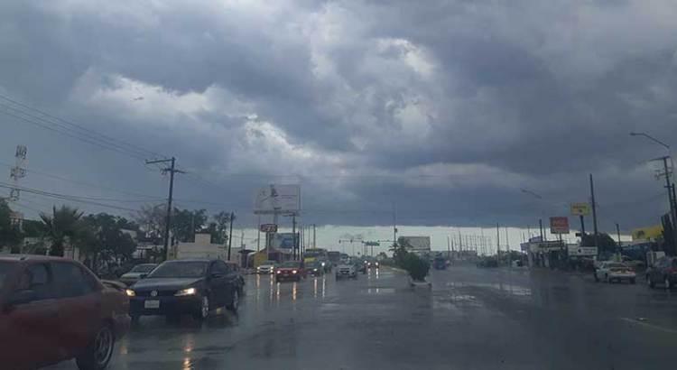 Sólo vehículos dañados ha dejado la lluvia
