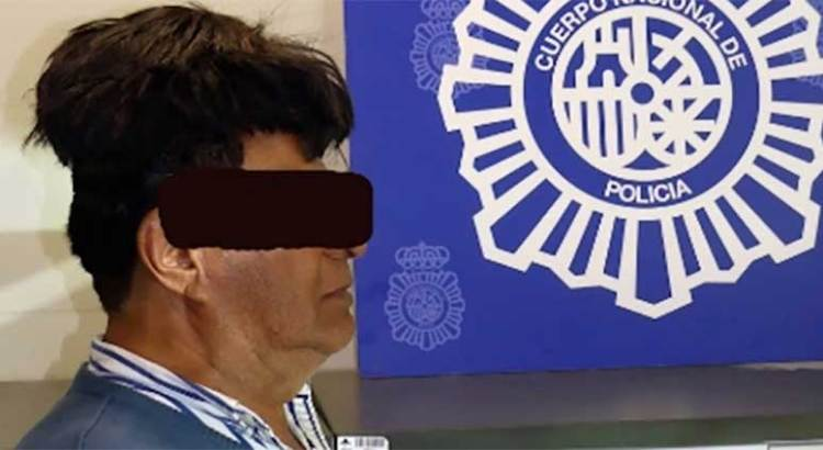 Trató de pasar droga escondida en su peluquín