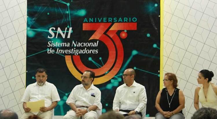 Conmemoran 35 años de vida del SNI