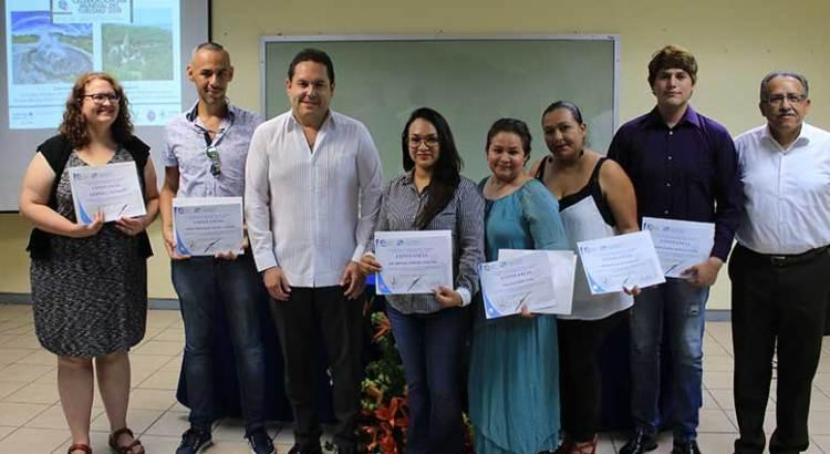 Reconoce Embajada de EU a profesores de la UABCS