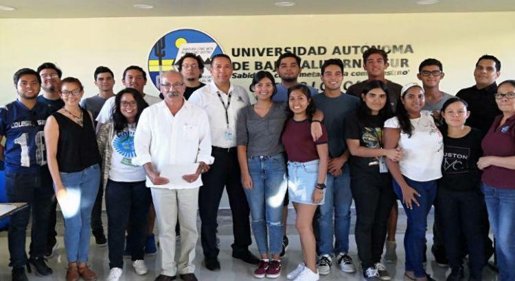 Capacita INEGI a alumnos de UABCS Los Cabos