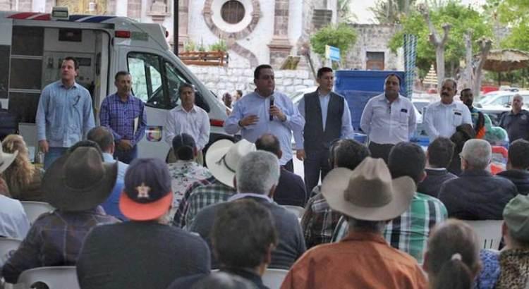Entrega Gobernador ambulancias equipadas en Mulegé