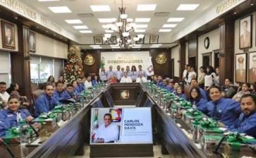 Recibe Gobernador a integrantes del Primer Parlamento Inclusivo Sudcaliforniano