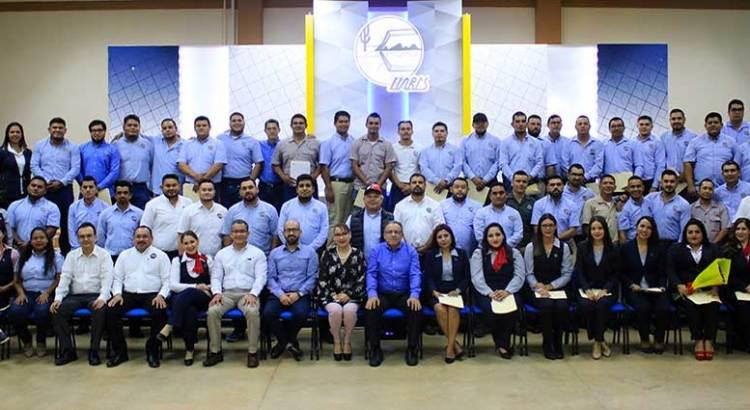 Regularizan plazas de trabajadores administrativos en la UABCS