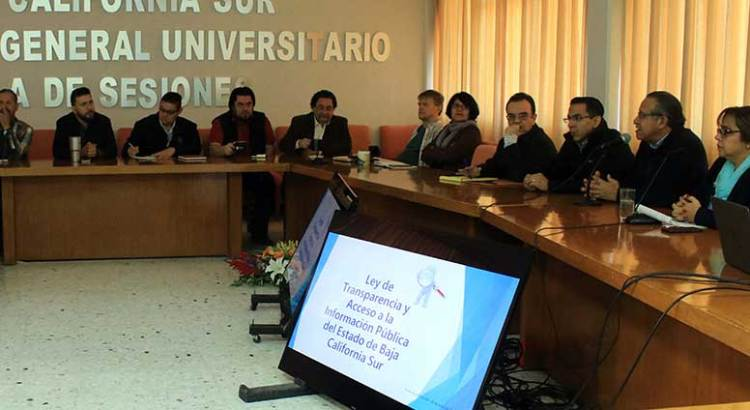 Participan directivos de la UABCS en taller de transparencia