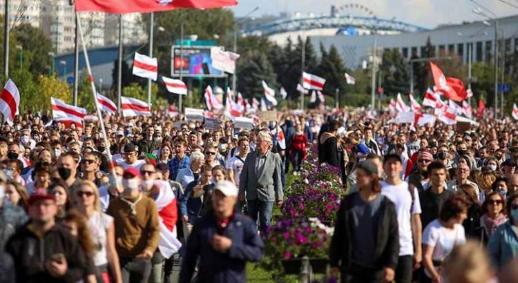 Crece repudio a presidente de Bielorrusia