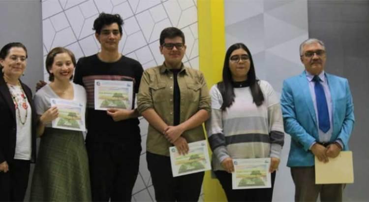 Invitan al Premio Universitario de Poesía, Cuento y Ensayo