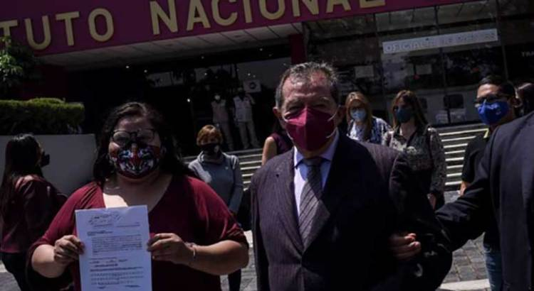 Se declara Muñoz Ledo en desobediencia