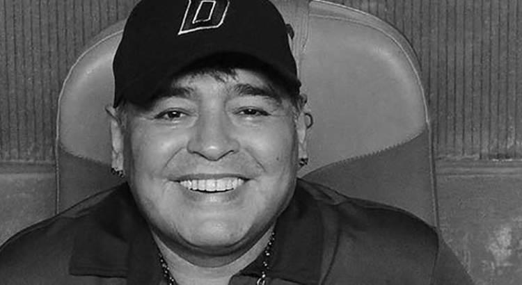 Descanse en paz Maradona