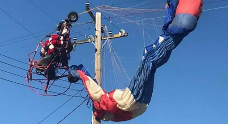 Quedó Santa atrapado en los cables eléctricos