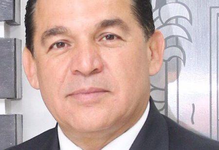 Sigue Rubén Muñoz con la mira en la gubernatura