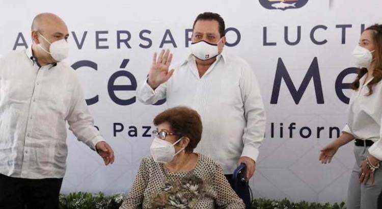 Llevan a cabo homenaje luctuoso en honor al ex gobernador Angel César Mendoza Arámburo