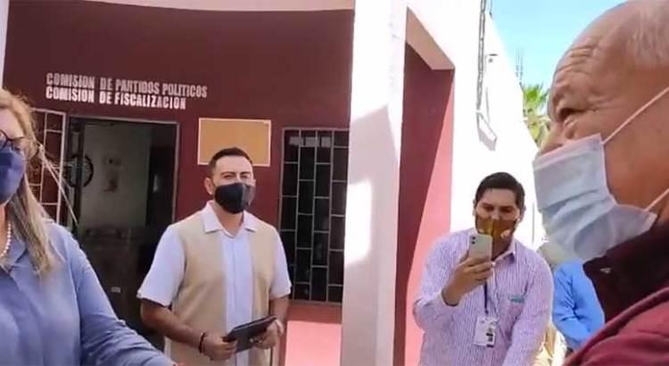 Se registra Víctor Castro Cosío
