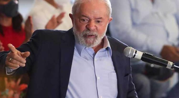 "Llama Lula ""imbécil"" a Bolsonaro"
