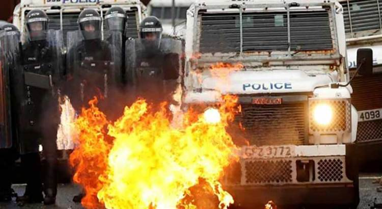 Advierten espiral de violencia en Irlanda del Norte
