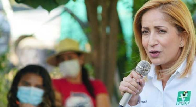 """También son """"huachicoleros"""" Víctor Castro y Milena Quiroga"""