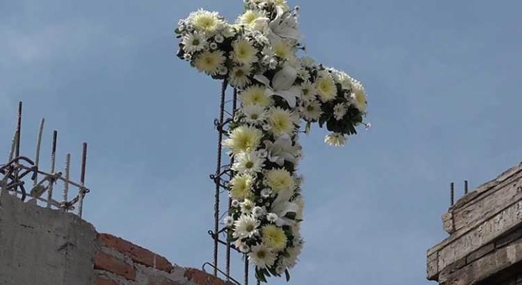 Celebraron albañiles el Día de la Santa Cruz
