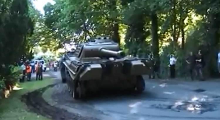 Lo juzgarán por  esconder un tanque de guerra en su sótano
