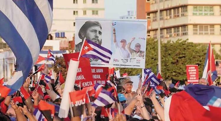 Defienden miles al gobierno cubano