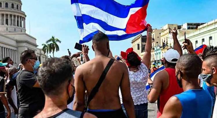 Muere hombre en protesta antigubernamental en Cuba