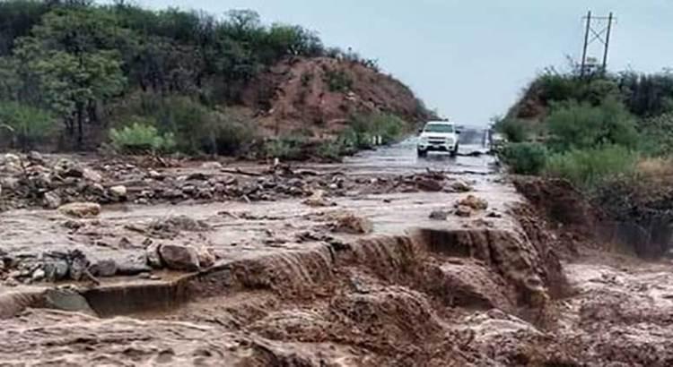 Dejan las lluvias afectaciones en carreteras de La Paz y Los Cabos