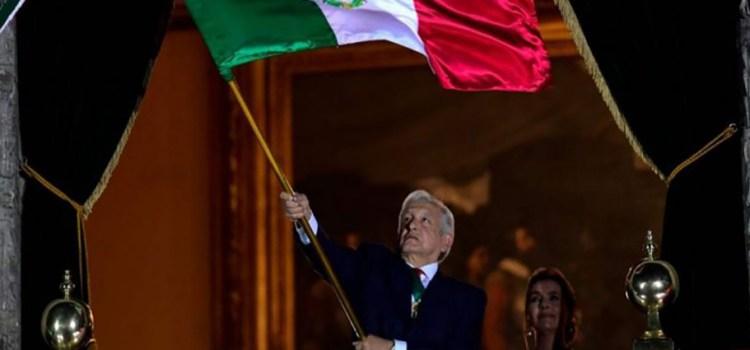 Da López Obrador el Grito de Independencia
