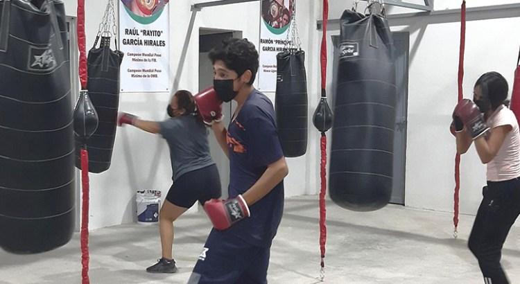 Arrancan entrenamientos en el Gimnasio Municipal de Box