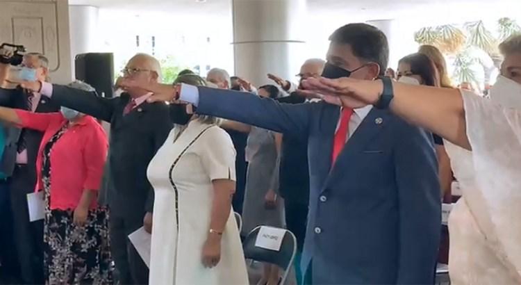 Presenta Víctor Castro a su gabinete