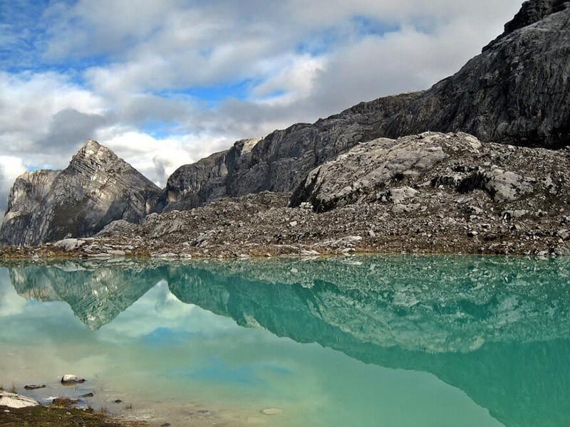 Opsi Rute Perjalanan Dan Jalur Pendakian Puncak Jaya Atau Carstensz Pyramid Penjelajah