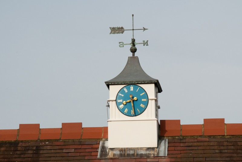 st-maragarets-church-hall-clock
