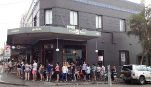 Queue at Cow and Moon